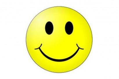 petit-smiley-sur-fond-blanc_4541698