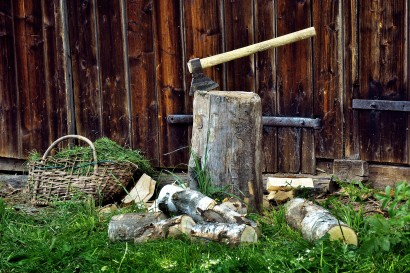 tree-wood-backyard-garden-ax-logs-541359-pxhere.com