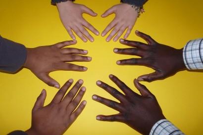 hand-finger-community-africa-communication-child-663260-pxhere.com