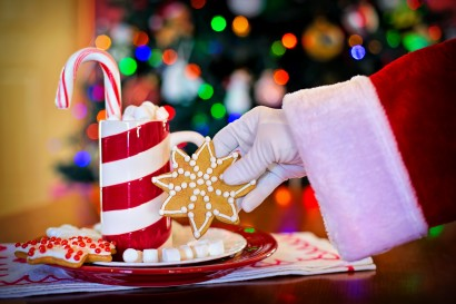 hot-chocolate-food-red-color-holiday-cozy-1264689-pxhere.com